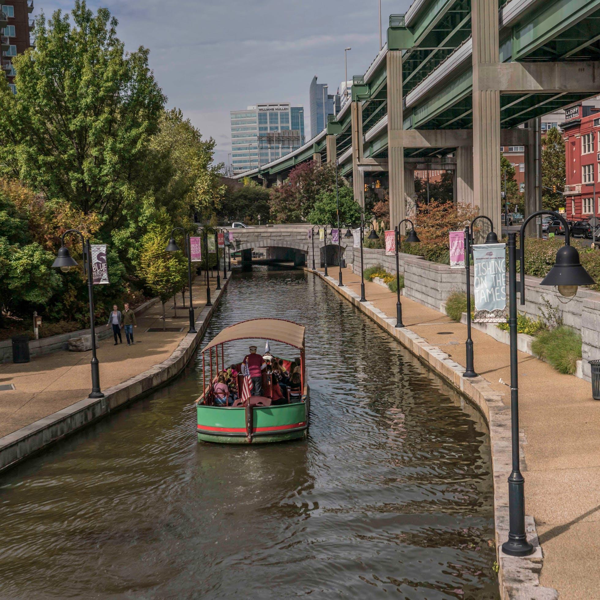 Virtual Riverfront Canal Cruise Tour