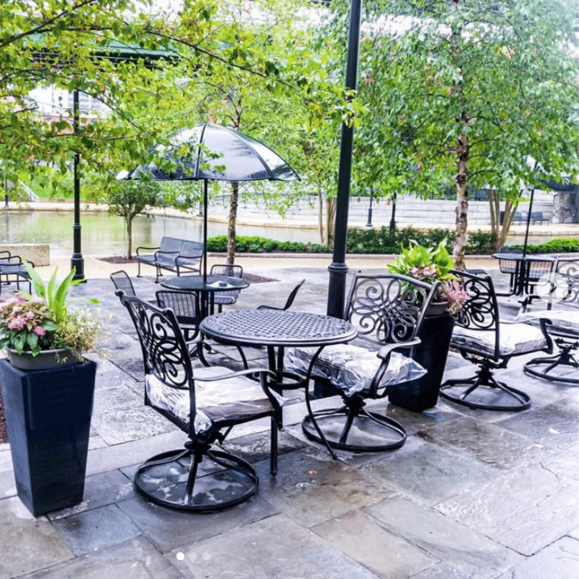 Bateau Patio  - 15 Restaurants for Outdoor Dining in Downtown Richmond