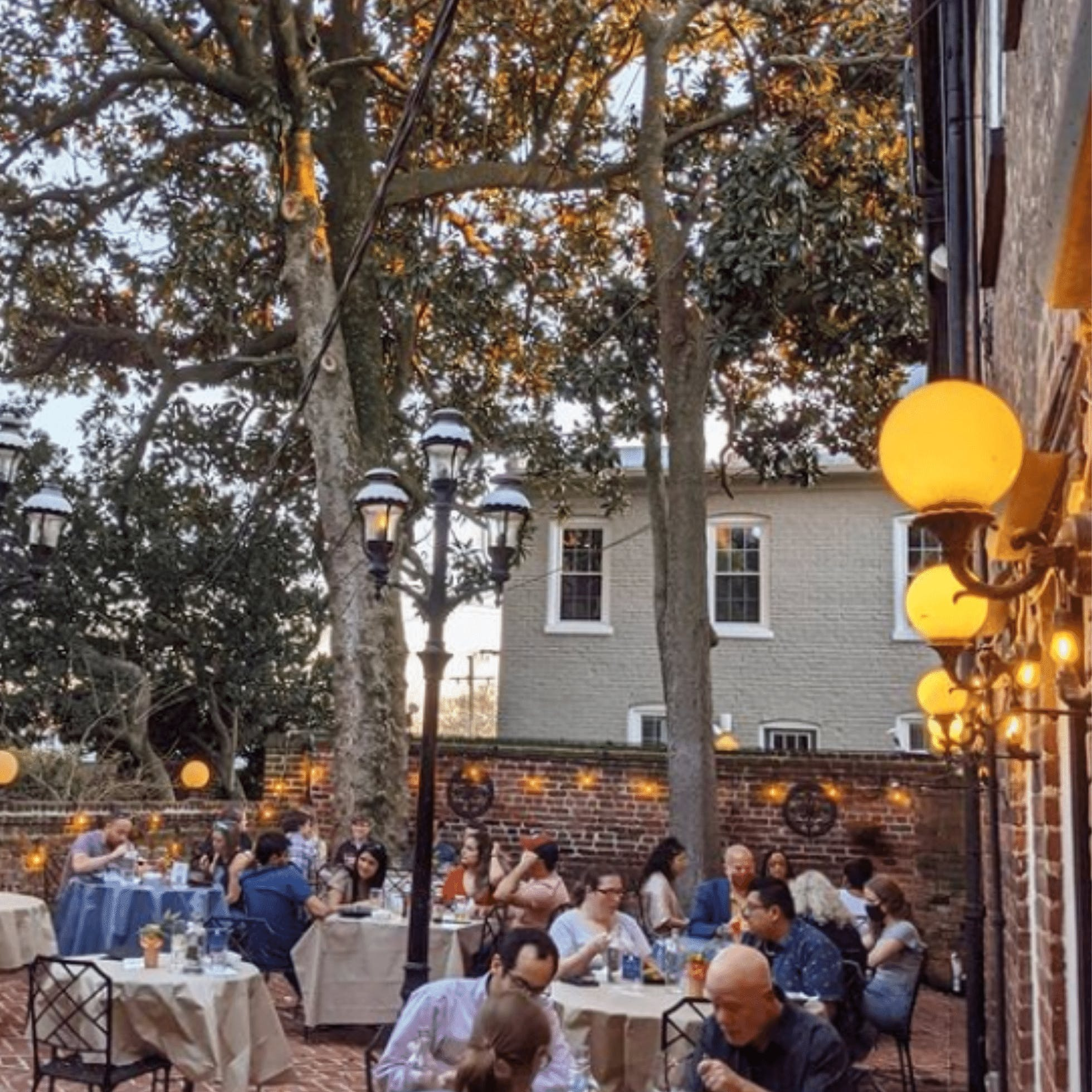 Patio Thai - 25 Restaurants for Outdoor Dining in Downtown Richmond